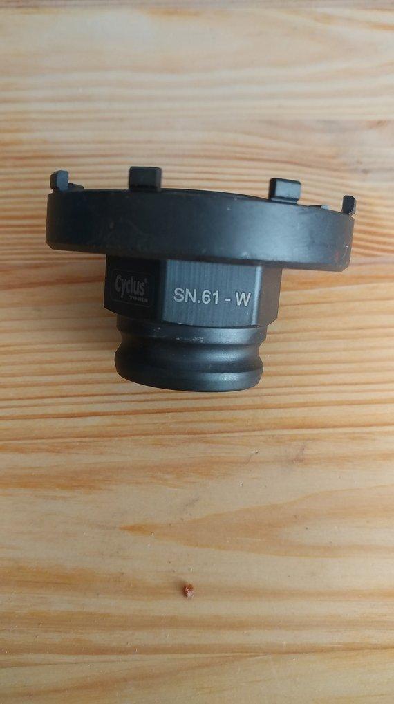 Cyclus Tools SN.61-W snap.in Abzieher für Verschlussmutter / Locknut an Spider für Bosch Motor Classic / Classic+ Line