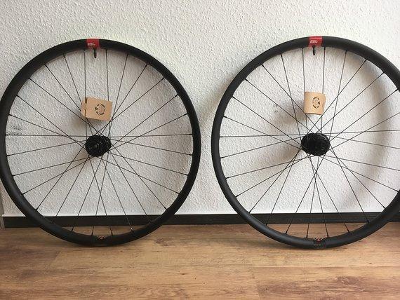"""Santa Cruz Laufradsatz 29"""" RESERVE 39 DH NEU + lebenslange Garantie"""