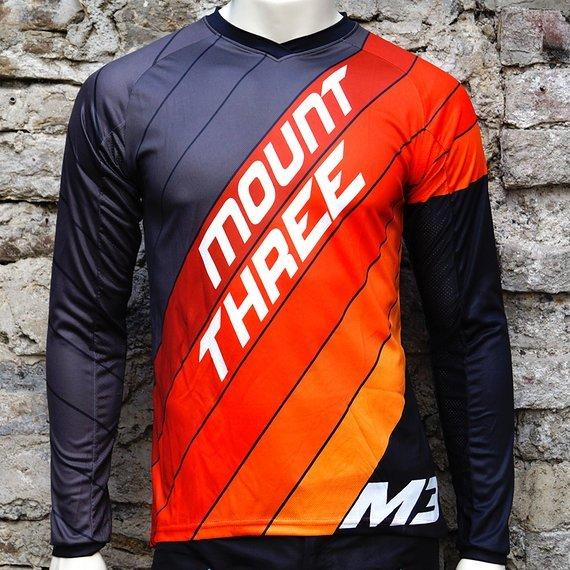 Mount Three Indie Rider Red // 1x Größe M // Race Cut