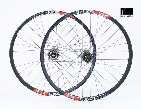 DT Swiss EX 471 Singlespeed Laufradsatz mit Noa 120 Klicks Naben / oil slick / petrol chrome / Rainbow / Bike-Lädle Laufradbau / Noahubs