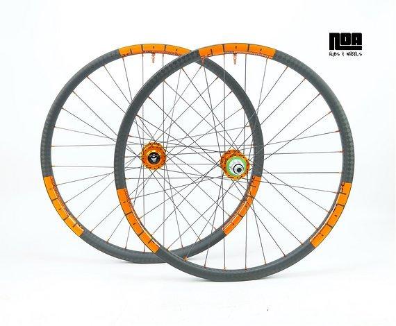"""NOA DHC 30 Carbon Laufradsatz 27,5"""" / 29"""" mit Hope Pro 4 Evo Naben / Bike-Lädle Laufradbau"""