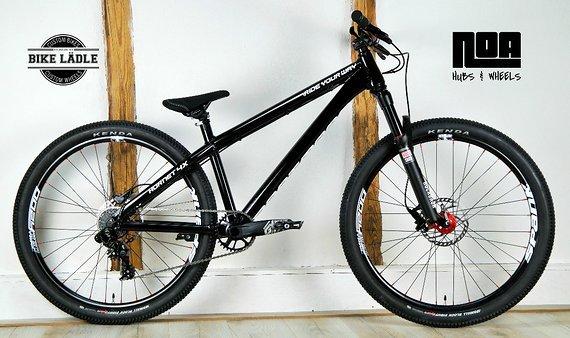 Dartmoor Hornet Dual Slalom/4X Custom-Bike Rock Shox PikeRC / Sram GX DH / Spank Oozy Trail / Sram Level / Noa-Bl-Evo-3 Naben