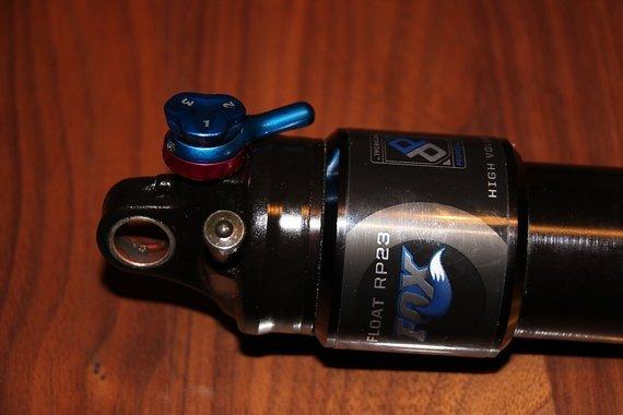 Fox Float RP 23 HV 216x63mm