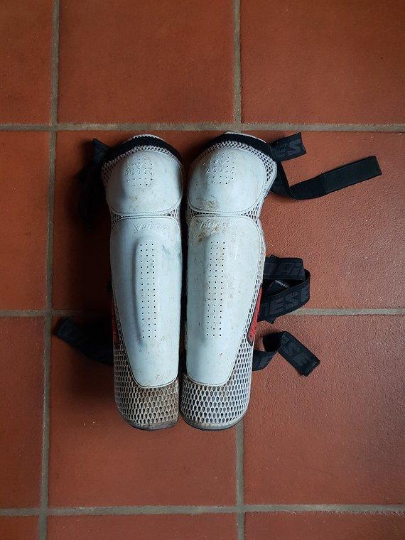 Dainese Knie/Schienbein Protektoren