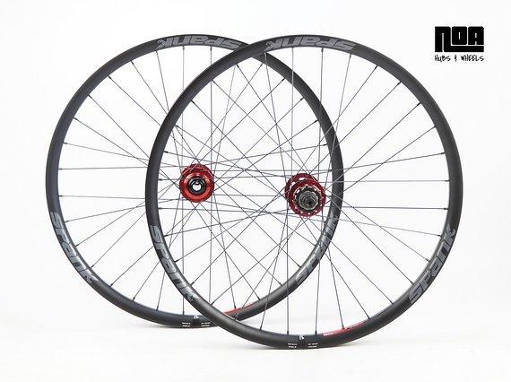 Spank Spike 33 TEAM / Race Singlespeed Laufradsatz mit Noa 120 Klicks Naben / Bike-Lädle Laufradbau / Noahubs