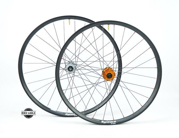 "Syntace W33i Laufradsatz 26"" / 27,5"" / 29"" mit Hope Pro 4 EVO Naben / Tubeless Ready inkl Noa Ventile / Bike-Lädle Laufradbau"