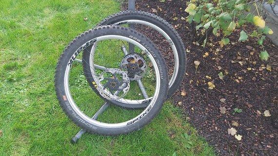 Spank Spike 35 Al Evo Laufradsatz mit Noa Naben