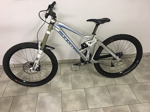 Mondraker Summum Downhill Bike