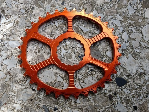 Superstar Components Raptor 32T Oval Race Face Cinch