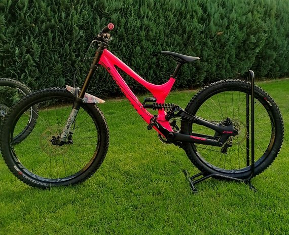 Specialized Demo 8  Alloy / pink/black