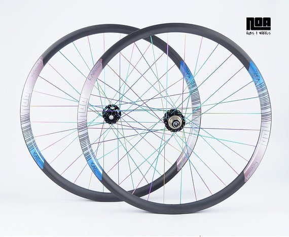 """NOA EC IN29 Enduro Carbon Laufradsatz 27,5"""" / 29"""" mit Noa 120 Klicks Naben / Custom Decals wählbar Bike-Lädle Laufradbau"""