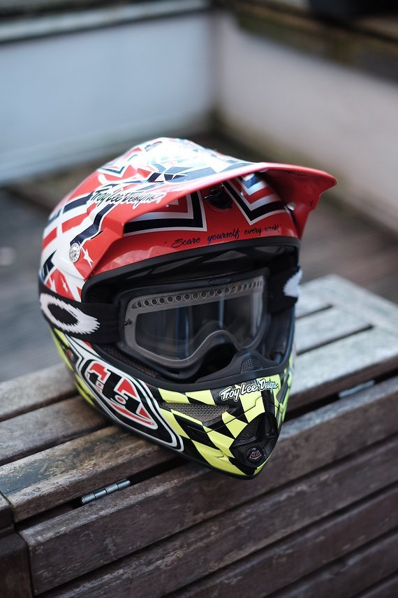 Troy Lee Designs Air Strike L