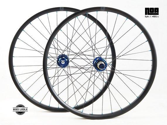 "E*thirteen LG1 Race Carbon Laufradsatz 27,5"" / 29"" Noa-BL-Evo DH Naben / Tubeless Ready inkl Ventile / Bike -Lädle Laufradbau"
