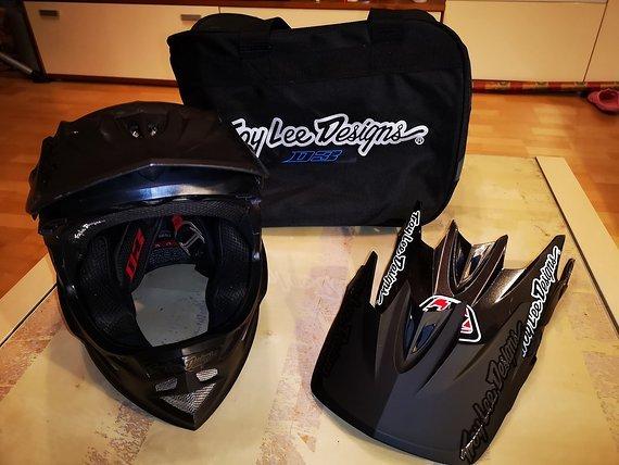 Troy Lee Designs D3 Carbon MIPS Midnight Black - Gr. S