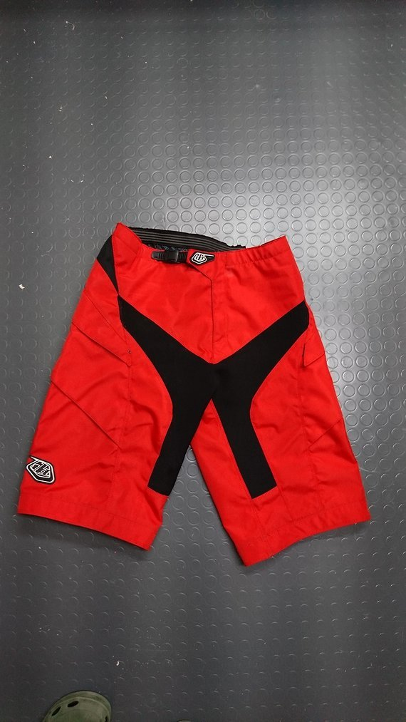 Troy Lee Designs Moto Short 34 in Rot Top Zustand