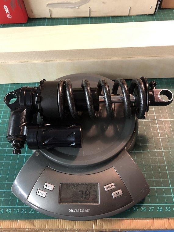 Fast Suspension Holy Grail 200x57 mm mit SA Feder & POM