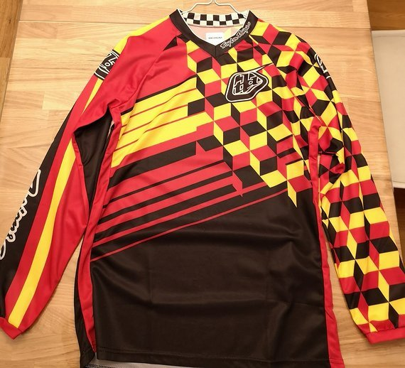 Troy Lee Designs Jersey Gr. M in super Zustand