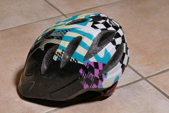 Giro Rascal Kinder Fahrrad Helm GIRO Rascal Kinder Helm mit Rücklicht