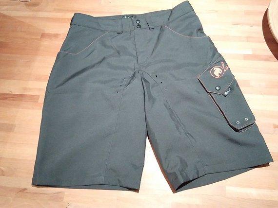 Local Outerwear Shorts - Größe M - grau - NEU