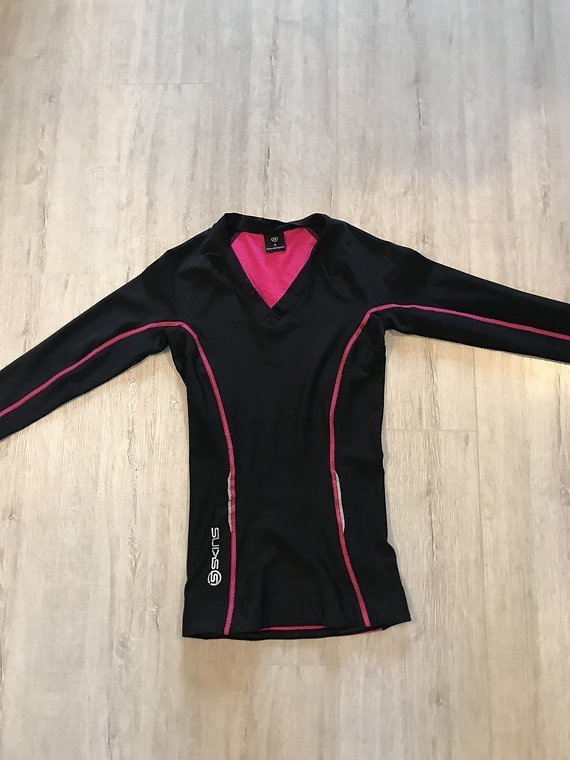 Skins A200 compression Shirt Gr. S langarm