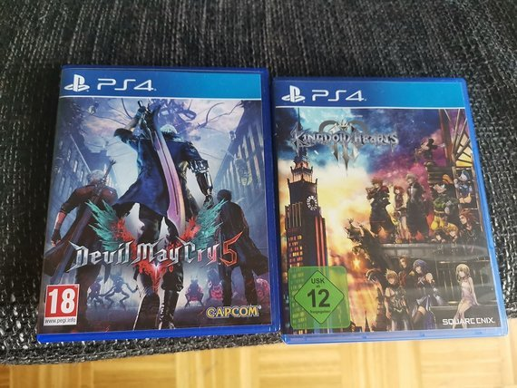 Ps4 Games Devil may cry 5 / Kingdom hearts