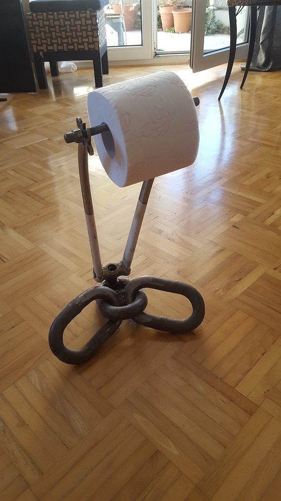 Oliver Baur Toilettenpapierhalterung