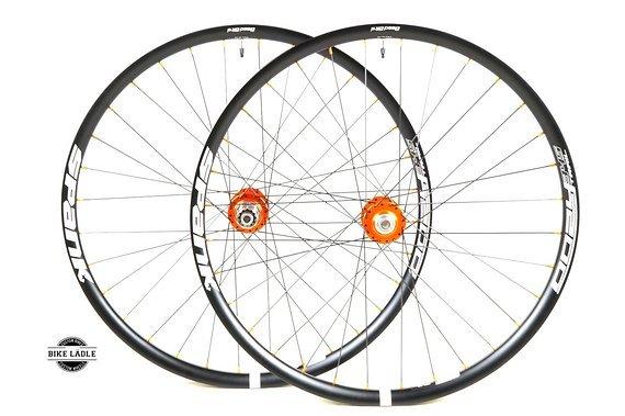 """Spank Oozy Trail 345 Laufradsatz 27,5"""" / 29"""" mit Chris King ISO Naben / Bike-Lädle Laufradbau"""