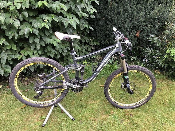 Rocky Mountain Slayer Deemax und XTR