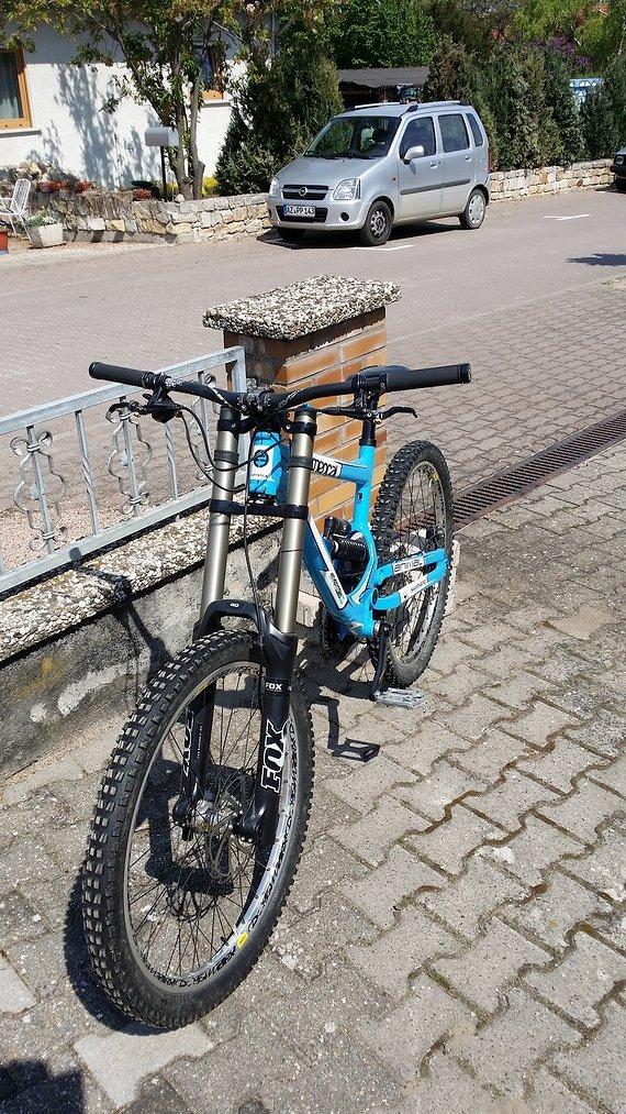 Commencal DH V2 Team Atherton DH Bike
