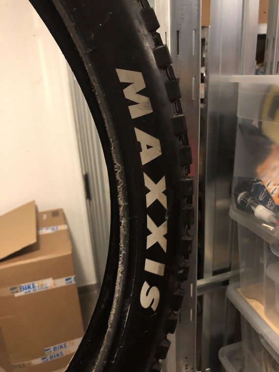 Maxxis Minion WEISS OEM DHF 27,5 x 2,5 MaxxGrip 3C DH
