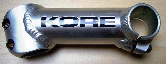 """Kore Vorbau 1"""", 110mm, 26,0mm, 17°, Alu mit fetten Schweißnähten"""
