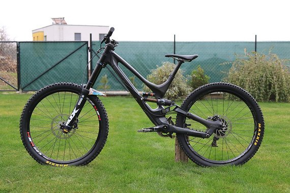 Specialized Demo 8 I carbon L size