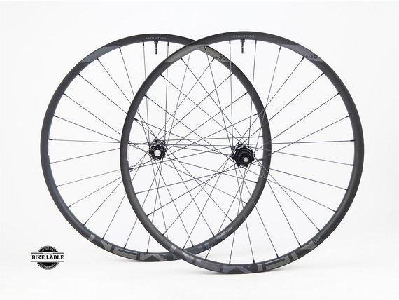 "Newmen Laufradsatz GEN 2 / 27,5"" / 29"" Evolution SL A.30 / Tubeless Ready inkl Noa Ventile / Micro Spline Freilauf Shimano XT - XTR /Bike-Lädle Laufradbau"