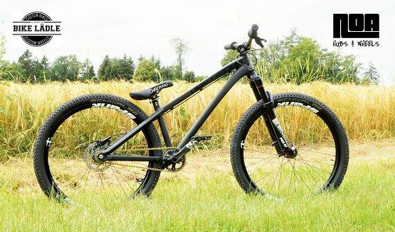 Dartmoor Two6Player Modell 2019 Custom Dirt / Street / Pumptrack / Skatepark-Bike Rock Shox Pike DJ, Spank Oozy Trail 295 ,Sram,Chromag,Schwalbe,Noa / Bike-Lädle