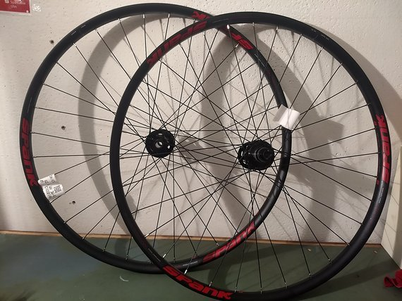 Spank OOZY 350 Laufradsatz