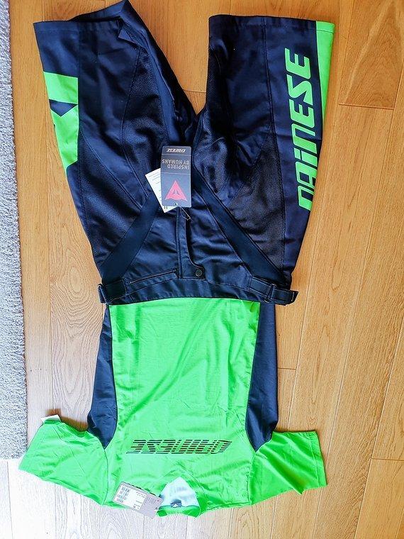 Dainese Fahrradhose mit passendem Trikot in grün XL neu