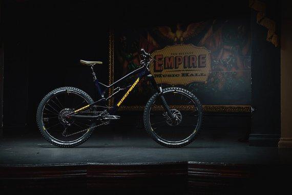 "Nukeproof Mega 275 Pro Carbon  2019 Komplettbike 27,5"" Größe M"