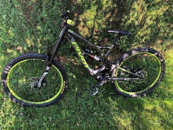 Pivot Cycles Phoenix Carbon 27.5 Größe S Custom-Bike sehr gepflegt