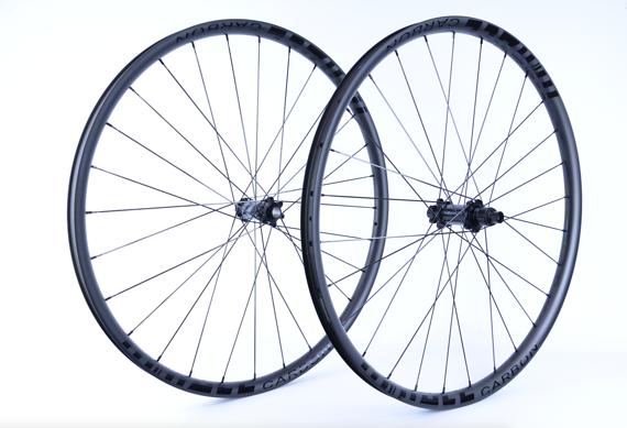 """Radsport Laufradsatz 29"""" M Race Carbon Clincher Boost Newmen Evolution CX Ray 1220g"""