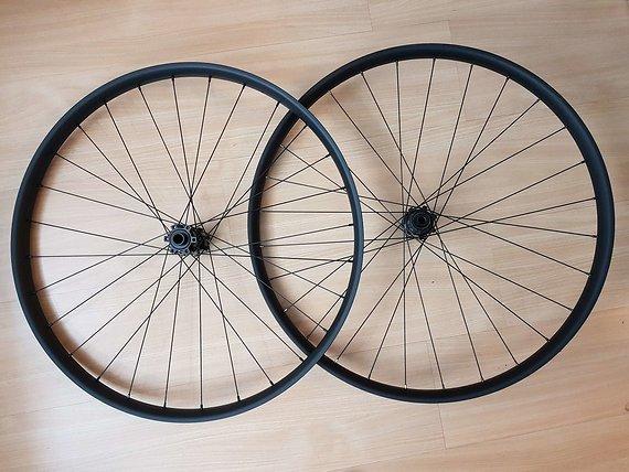 Sun Ringle Düroc 40 27,5+ Boost Plus Laufradsatz
