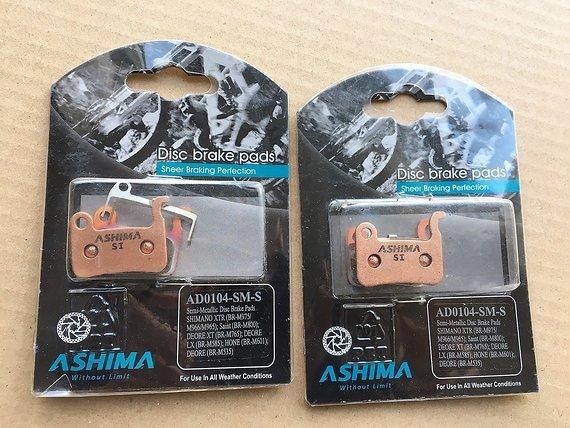 Ashima Semi Metalic Bremsbelagssatz (4 Einzelbeläge) für Shimano Scheibenbremsen
