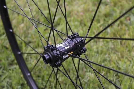 Mavic Crossride Vorderrad 15x100mm