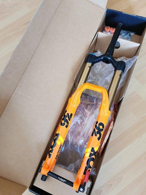 Fox 36 Float Factory 2020 Shiny Orange GRIP2 180mm Neu