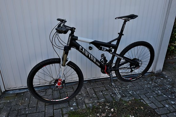 Canyon Lux MR Carbon Team Gr. L Custom