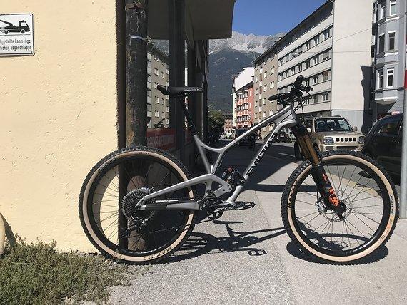 Evil Bikes Insurgent LB 2019 27.5 *NEU* Magura MT1893, SRAM X0 Eagle, Fox Kashima, Chris King, Carbon, Cush Core, ...