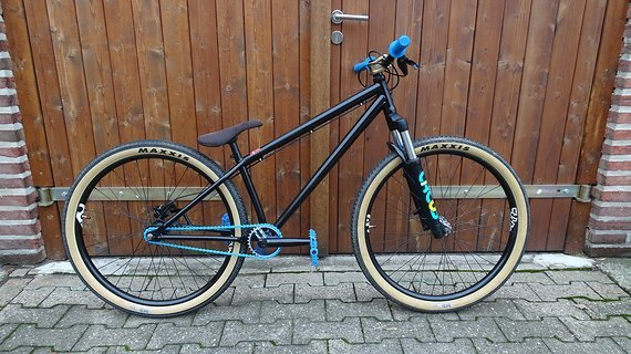 Specialized P2 Dirtbike Sixpack Spank P.Series Dirt Slope