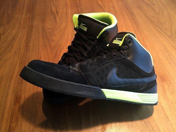 Nike 6.0 Air Mogan Mid 3 | schwarz/neon-gelb | Gr. 45,5