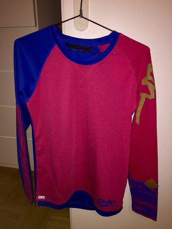 ION Langarm-Shirt Flare, Größe M
