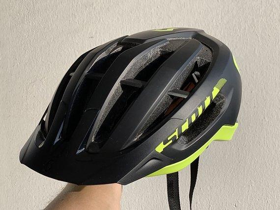 Scott Fuga Plus REV MIPS Helm - Größe M - Neuwertig