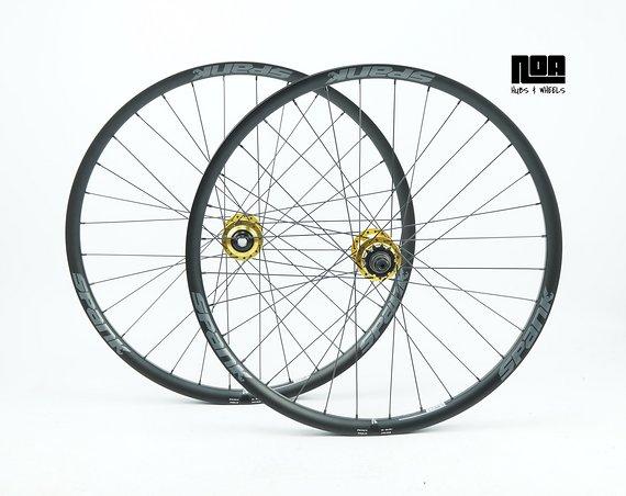 Spank Spike 33 Race / TEAM Singlespeed Laufradsatz mit Noa 120 Klicks Naben / Bike-Lädle Laufradbau / Noahubs